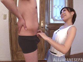 Stunning blowjob by Natsuki Minami immigrant Japan makes him cum immutable