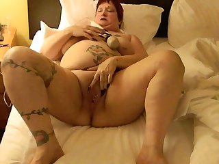 This BBW could eat you out of doors and she loves masturbating close to say no to Hitachi