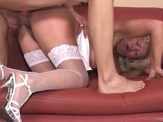 Wild big breasted blonde mature termagant Franscina is earn sucking cock