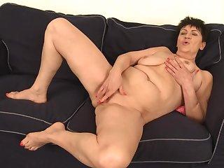 Mama Rubs Pussy - GILF solo