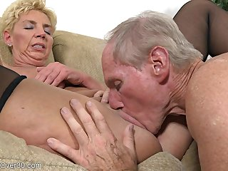 Milf Lady Needs Dose Of Hallow - Taylor Lynn