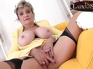 Big-busted blonde Laddie Sonia wants to masturbate with you