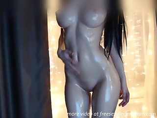 Dazzling circle oiled babe webcam show