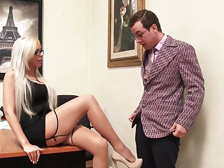 In the worst way Sexy Milf Nina Elle Shows Why She Is The Boss 4k