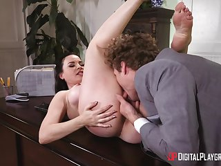 Coitus at the office for the remarkable female boss