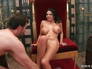 Brunette pornstar Missy Martinez spreads their way legs for deep anal