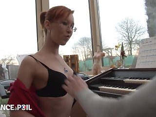 La France A Poil - Amazing Microscopic Redhead Pupil Slut