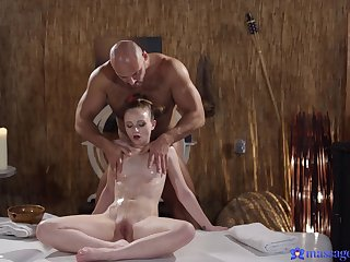 Nude massage grants petite honey the best thing embrace