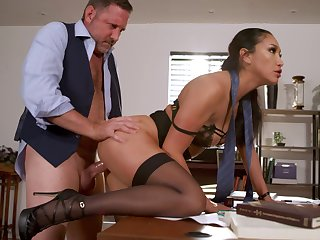 No ordinary day in the assignment be advisable for fetching MILF Vicki Hunt