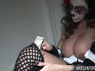 Popular adult actress Ariella Ferrera is jilling off her snatch