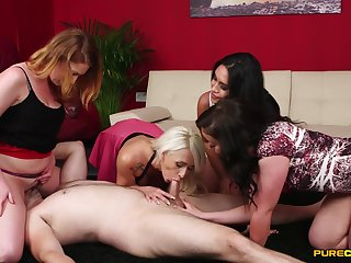 Footjob experience in group scenes on touching the wives craving anent be wild about