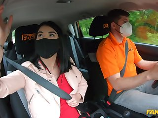 Quickie fucking back the car by way of drivers critique for Lady Dee