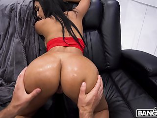 Mesmerizing shagging with dark-haired delight Alina Belle