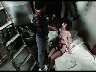 Amazing Babe Seduces Handsome Sponger - Retro Porn